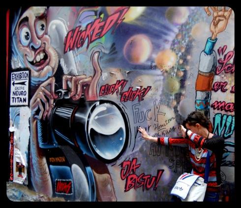 Graffiti Paparazzi, Berlin