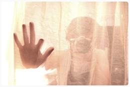 Shutupi behind the curtain